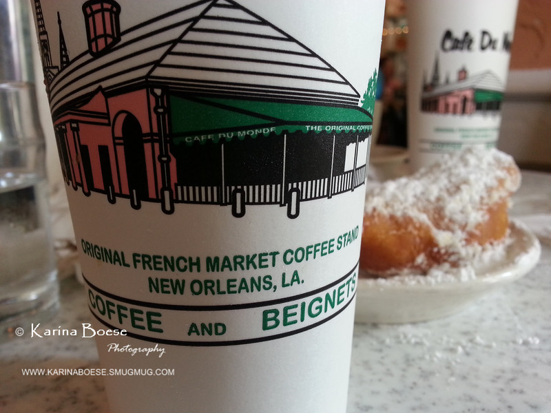 Do Cafe Du Monde<br /> Fri. June 14, 2013 (day 314)<br /> <br /> We left Houston yesterday and we'll spend 2 nights in New Orleans before heading to Destin, Florida. <br /> Hmmm... how I love being at Cafe Du Monde!