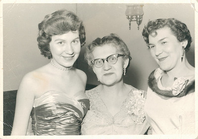 Aunt Carol, Grandma Cupidro, Mom