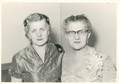 (Great) Aunt Jean and Grandma Cupidro