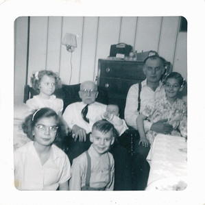 Uncle Casey, Dziadzia, Georgianne, Jackie, Cousin Mimi, Cousin Jimmy and my brother Bill (being held)