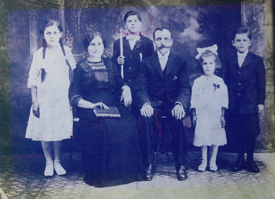 Dziadzia and Busha (maternal great grandparents), Grandmother Grace (left), Uncle Ed (middle), Aunt Jean and Uncle Casey (right)