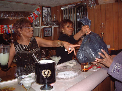 2006-2-4 Gwen's Birthday Party 00011