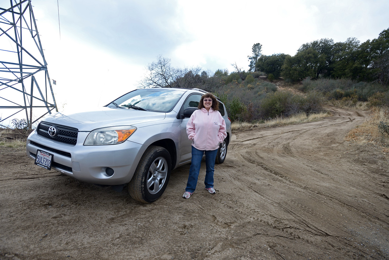 2014-02-01 15-00-03 - Theresa and her RAV4 atop of the gnarly dirt hill