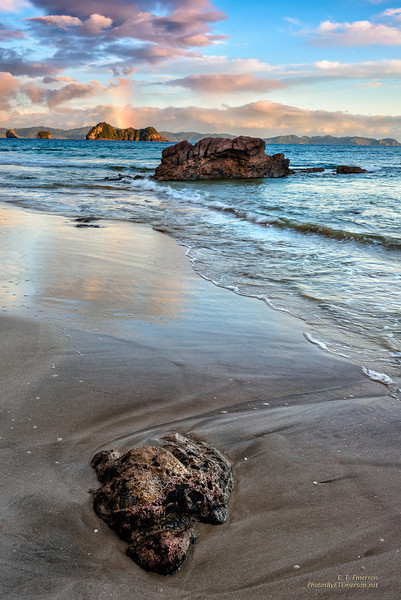 Hahei Beach (NZ) Early Morning