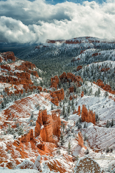 Cloudy Winter Scene at Sunrise Point