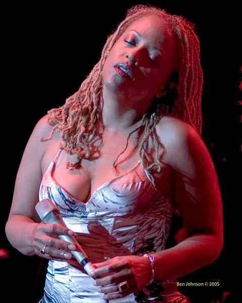 Cassandra Wilson photo - The Mann Center for the Performing Arts July 2005