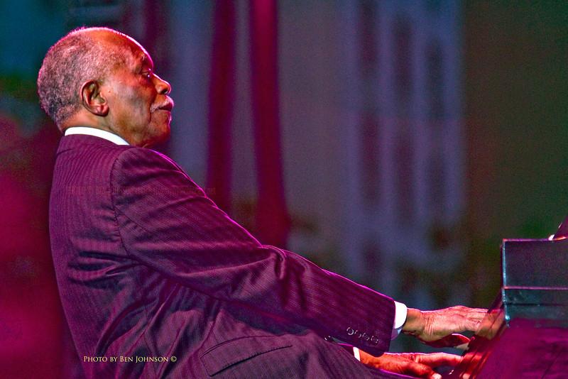 Pianist Hank Jones photo - 2009 Detroit Jazz Festival