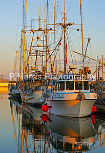 Steveston Fishing Boats at Sunset-BT2853B-17