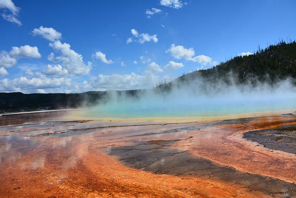 A beautiful Yellowstone Geyser