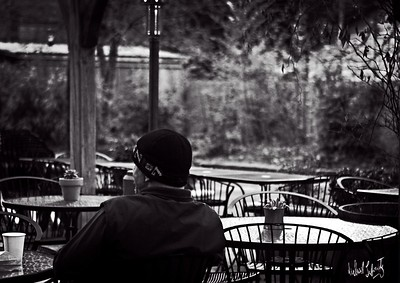 cafe morning  b&w.2020