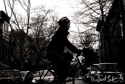 Newyorker ona bike bwfacebook black and white_temp (5 of 8)026