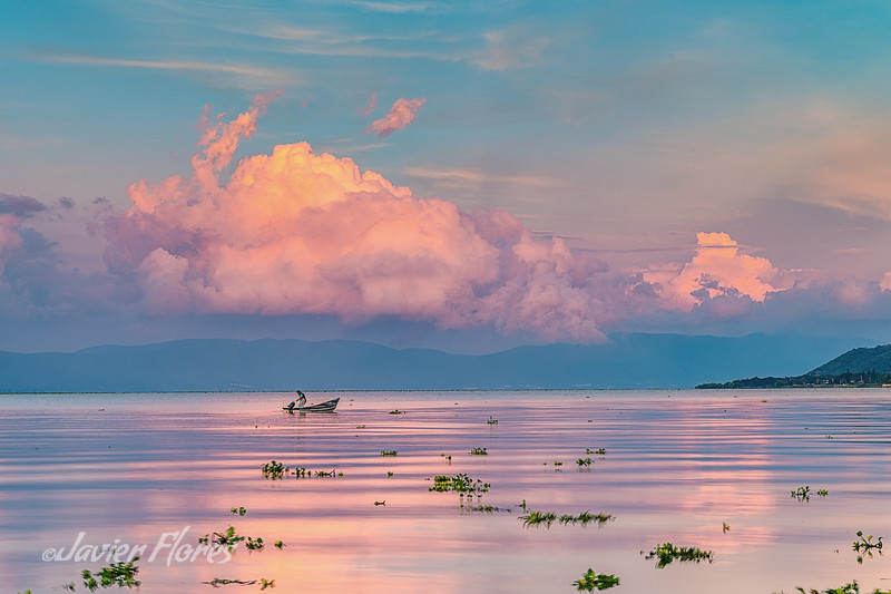 Fishing at sunrise in Lake Chapala