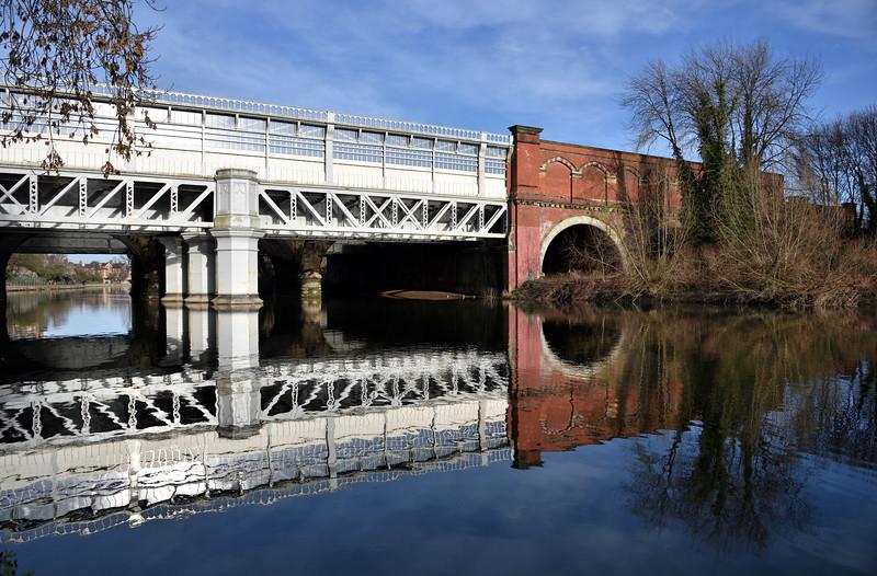 Shrewsbury railway station spanning the River Severn.