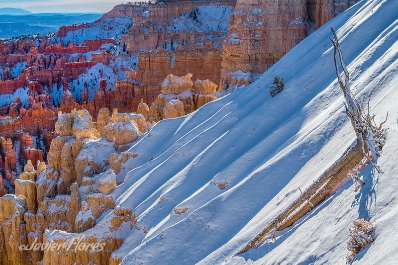Snow and Hoodoos at Bryce Canyon