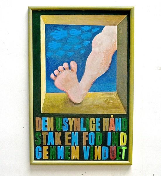 Den usynlige hånd stak en fod ind gennem vinduet