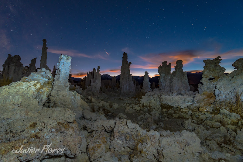 Tufa towers at Night