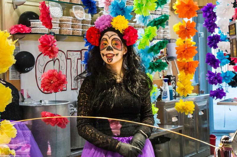 Mercat de Sta. Caterina Costumes 2
