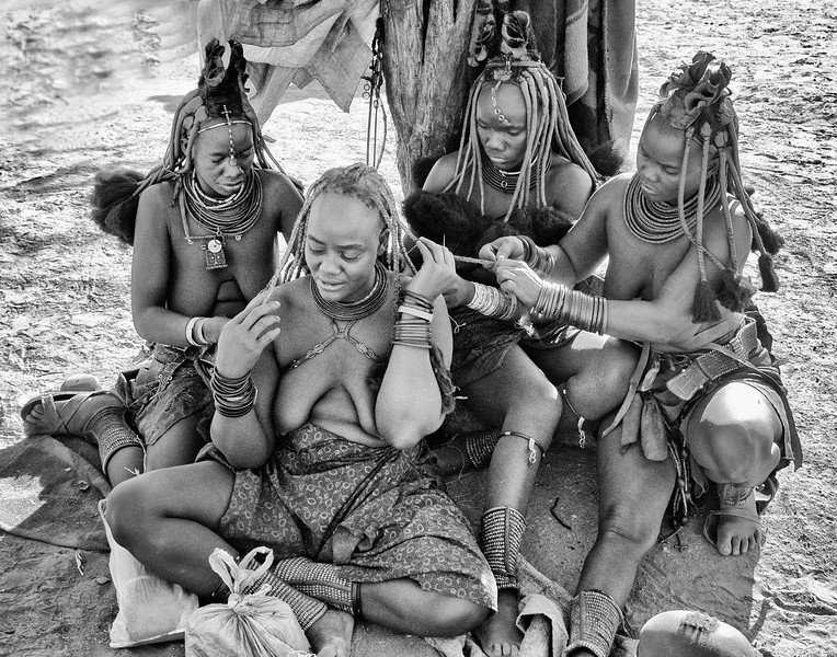 African women doing their hair