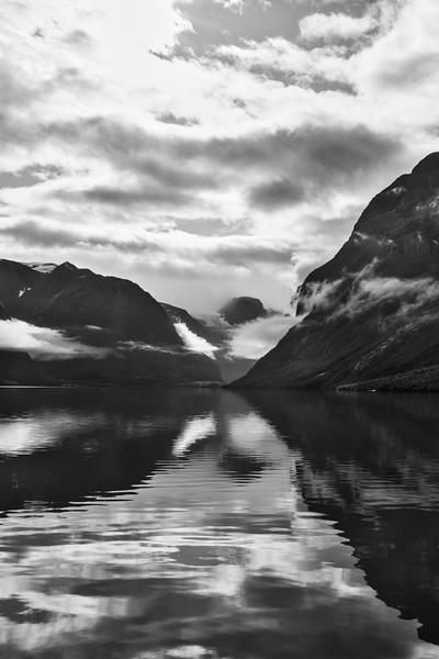 Fjord B&W
