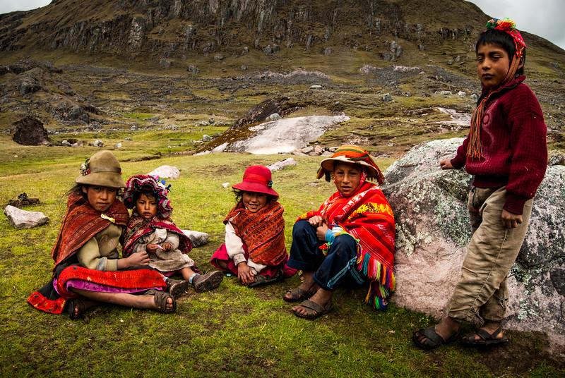 Quechuan Kids Greeting