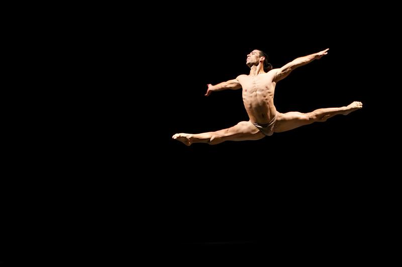 Alejandro Silva, Acosta Danza