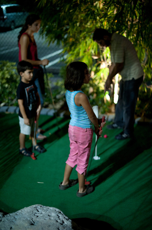 Mini Golf with Giovana and Eliza