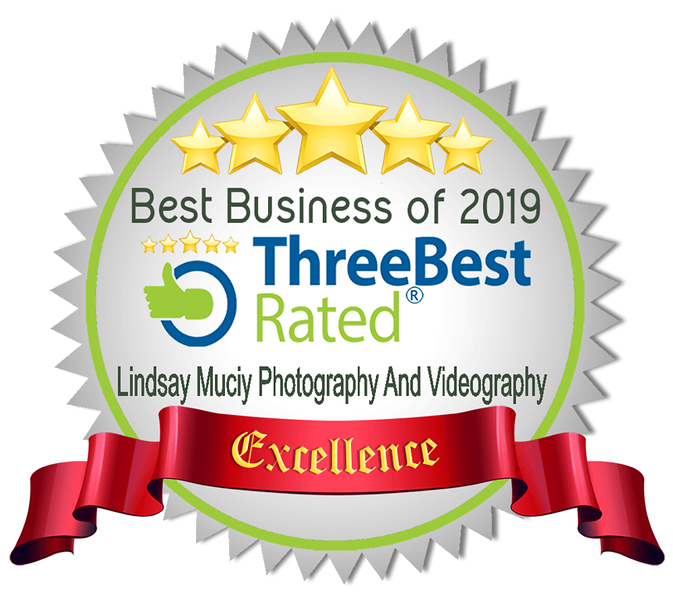 We were awarded best rated business for wedding photography and videography in Montreal for 2019. Our wedding photographers and wedding videographers were voted best in Montreal. This five star rating is based on customer reviews and quality of service.