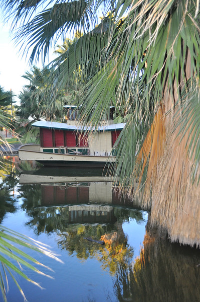 The house boat of the magical Oasis of Mara pool at 29 Palms Inn