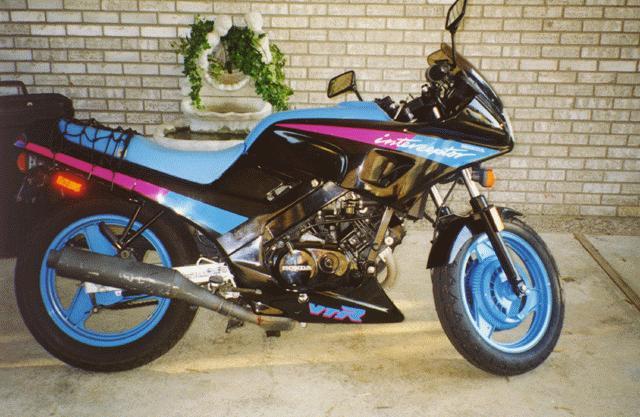 HondaVTR_250_bluePurpleBlack