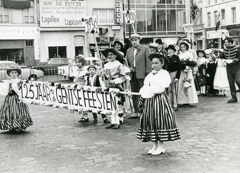 Opening van de dekenijfeesten aan de Dendermondsesteenweg.