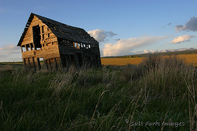 This old house is in Teton Valley, north of Tetonia, Idaho, on the west side of the Teton range.