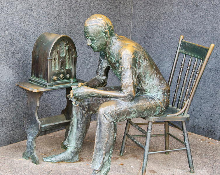 Bronze Listening<br /> Bronze figures at Franklin Roosevelt Memorial<br /> Washington D.C.