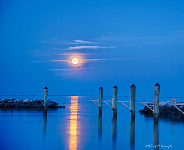 The Moon In Color<br /> Moon Rise,  <br /> North Beach,  Maryland