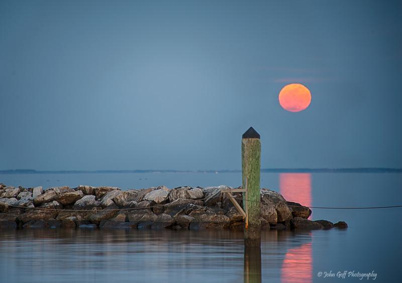 Moon Glow<br /> Moon Rise,  <br /> North Beach,  Maryland