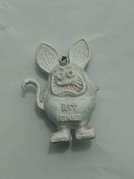 """WHITE WITH """"RAT FINKS"""" PRINT, NO HOLE IN BACK"""