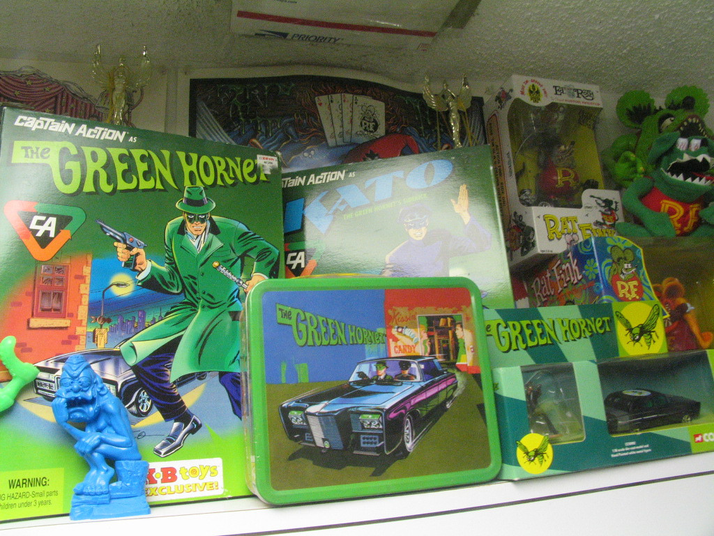 "Lot's of ""green"" memorabelia, Hornet and Finks!"
