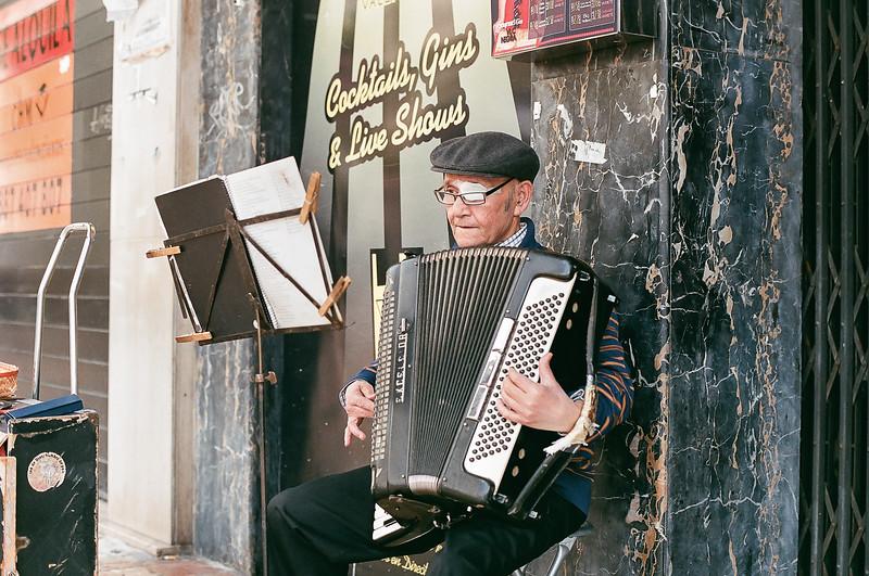 Street musician in Valencia