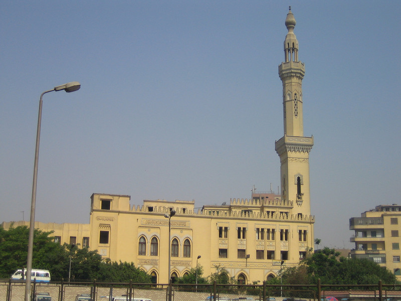 05 - mosque with tall minaret