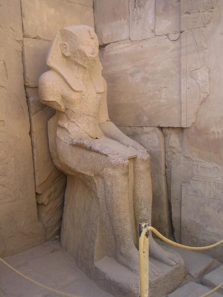 147 - statue