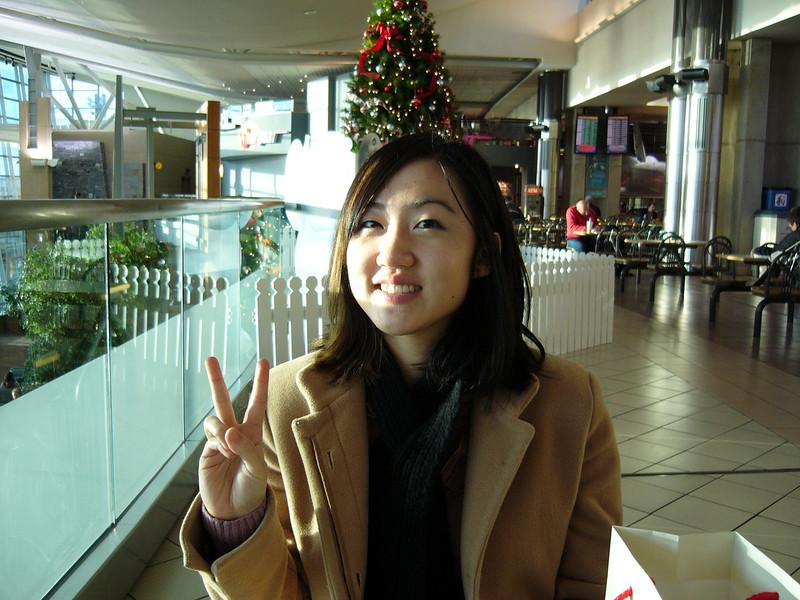 01 - ebear at airport