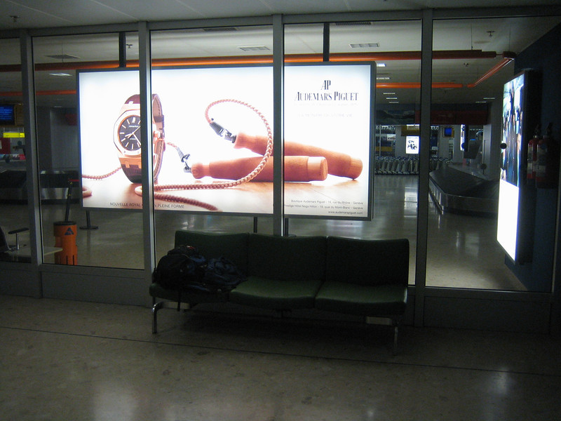 01 - Couch at Geneva airport