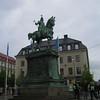 02 - statue