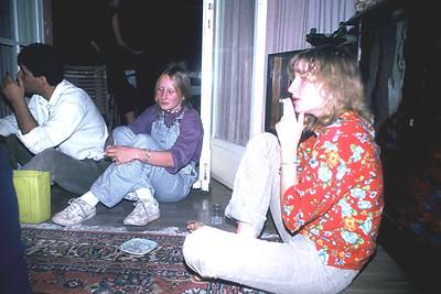 Tunalı Hilmi parti. Denise Daş ve kardeşi Nicole.
