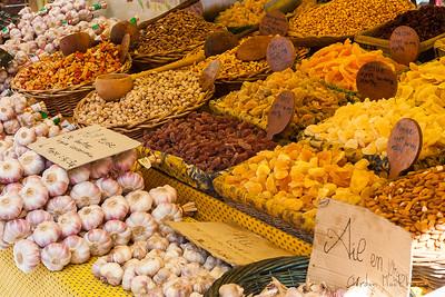 L'isle-sur-la-Sorgue market
