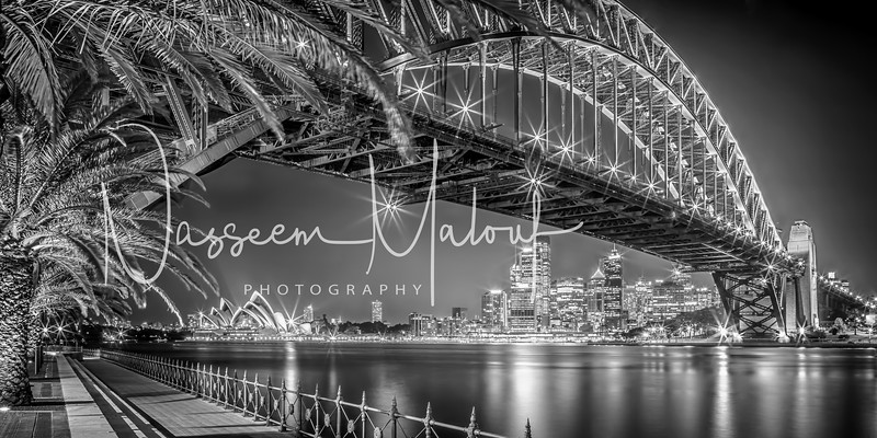Sydney Harbour Bridge Night_260813_0037_HDR8BITPRINTB&W-Edit-Edit.jpg