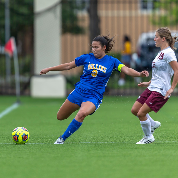 Rollins Tars Woman's Soccer take on Lee University. Ends in double overtime 2-2 tie.