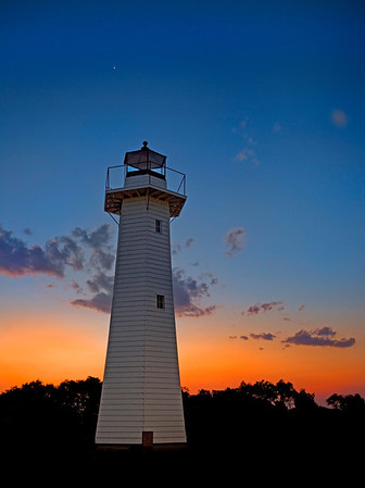 CL 10 Twilight Lighthouse