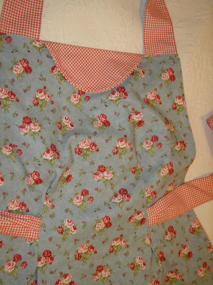 Closeup of apron #1