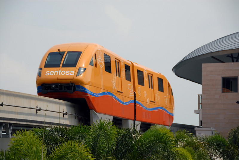 New air-con mono-rail to Sentosa from Vivo City.