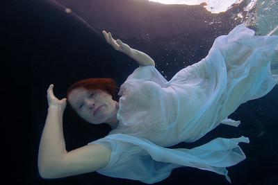 Lori Underwater 2175